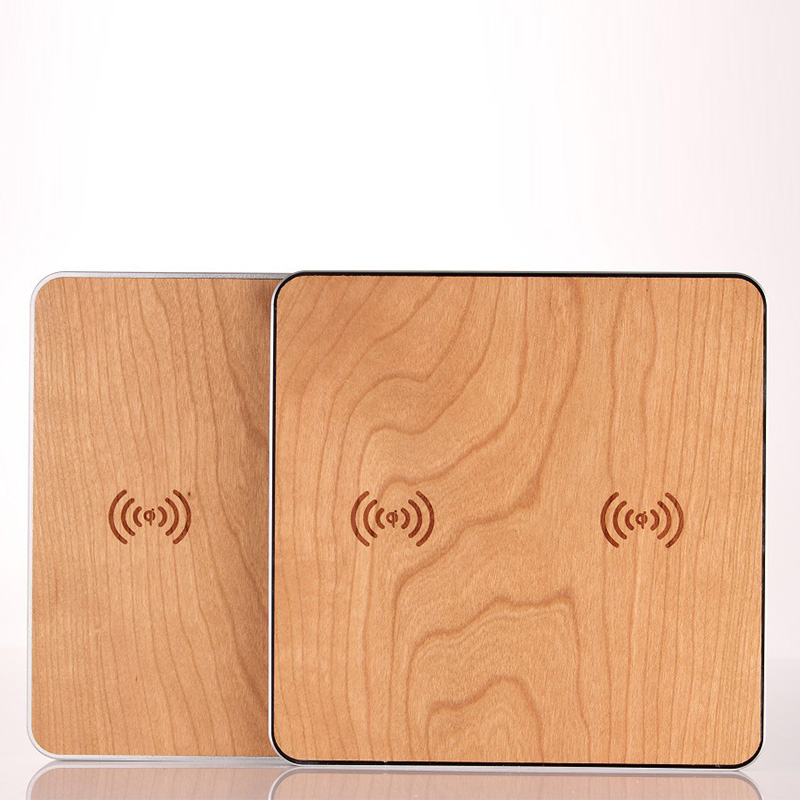 KOO-POWERWireless Charging Pad - Supports wireless charge for two Qi-enabled devices simultaneously