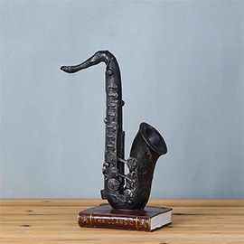 Vintage Retro Saxophone Desk Decorations - Ideal for Photo Props/Christmas Gift/Home Decor/Ornament/Souvenir/Bars Decoration
