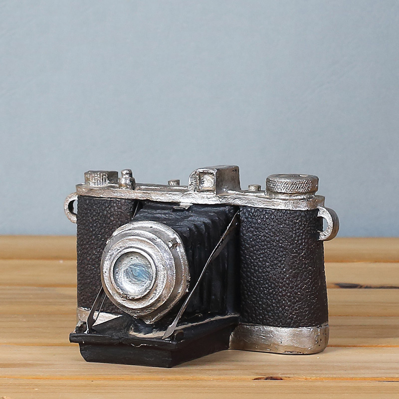 Vintage Retro Camera Desk Decorations - Ideal For Photo Props