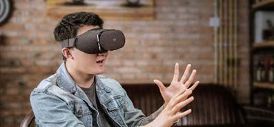 Don't Have to Clock in Any More, VR Technology Makes Work Much More Free